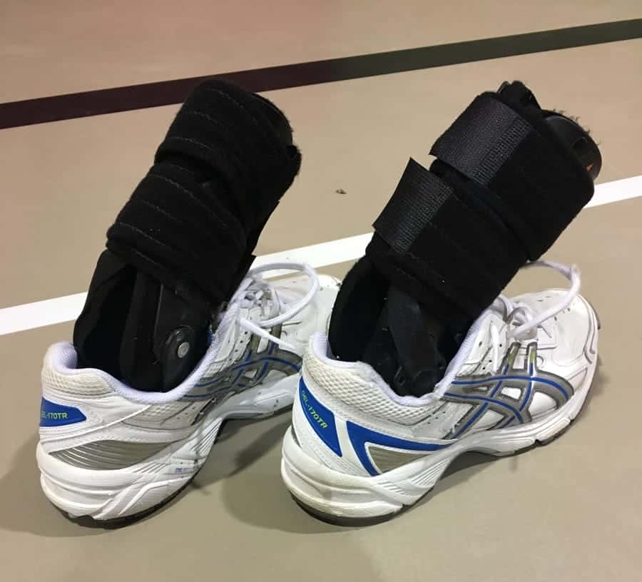 running shoes with ankle brace inside